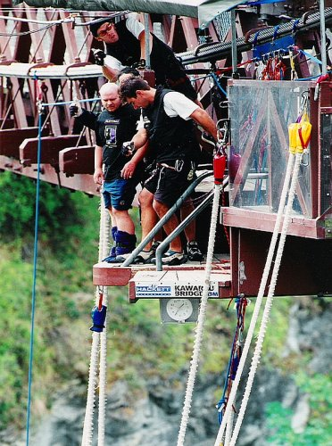 Tony bungy jumping, Kawarau Bridge, Queenstown