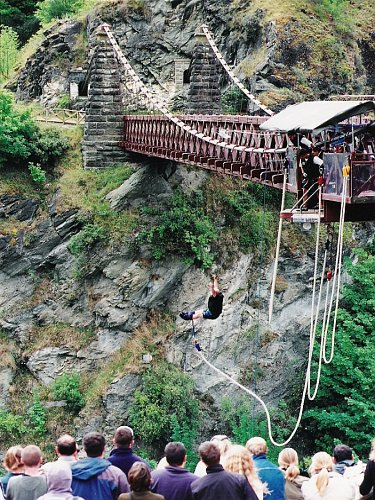 Kawarau Bridge Bungy Jump, Queensland